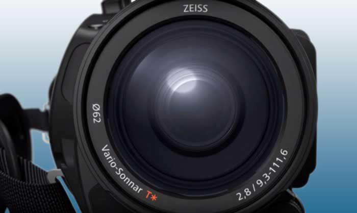 Sony FDR-AX700 объектив