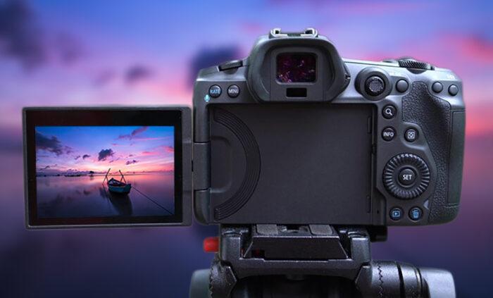 Canon EOS R5 - дисплей