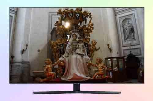 Samsung UE55AU7570U. Обзор бюджетного телевизора 4K 7 серии
